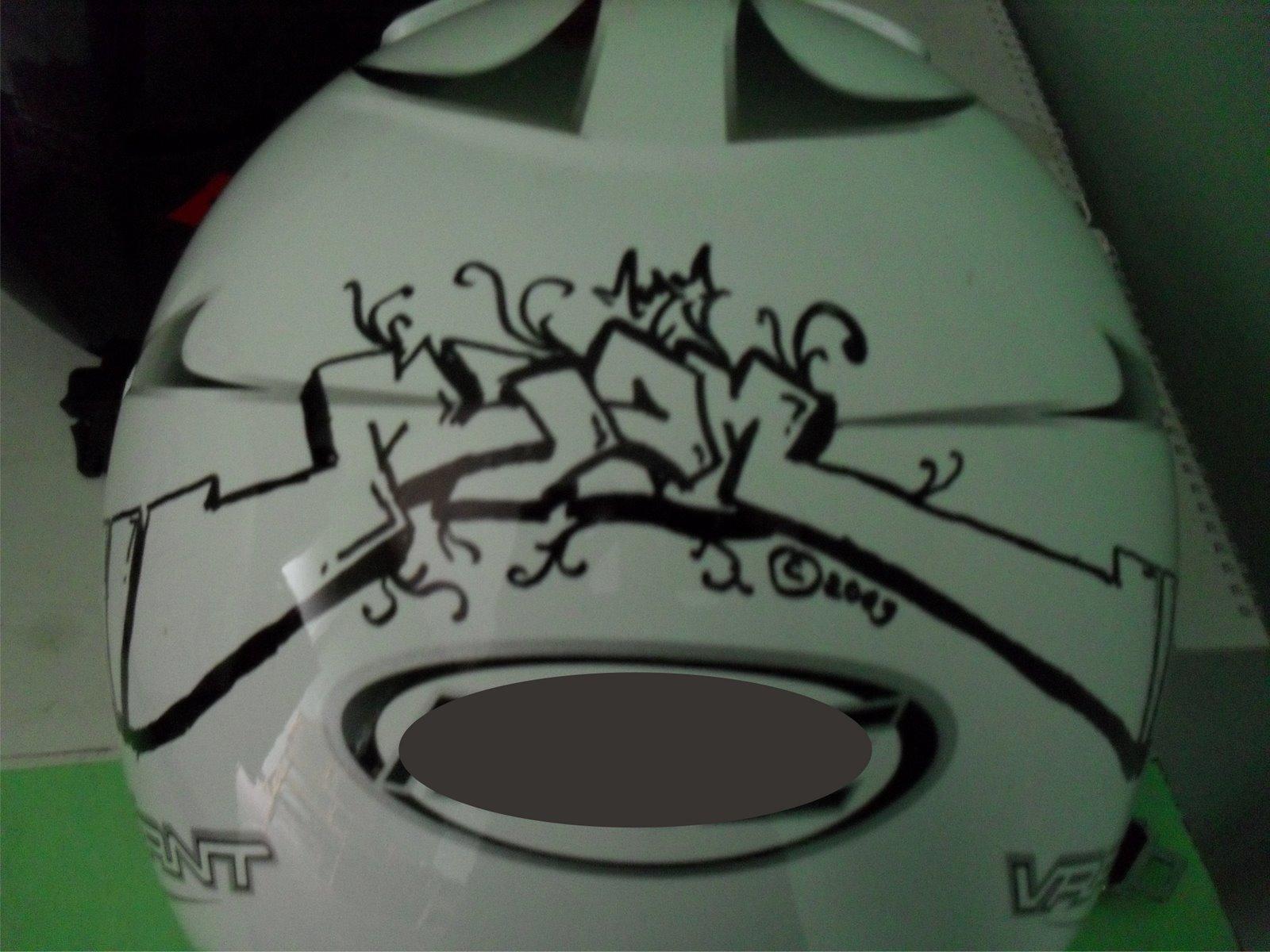 Download 42 Koleksi Gambar Grafiti Di Helm Keren Gratis HD